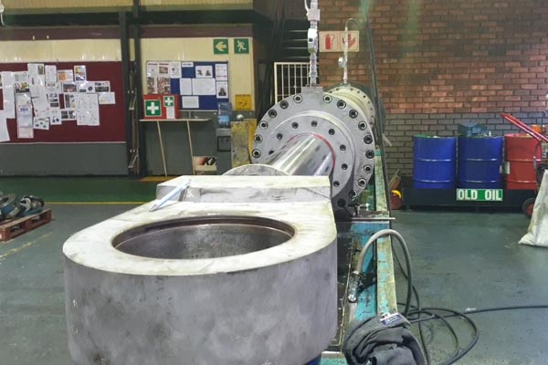 Ernest Lowe large hydraulic cylinder